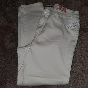 Dress Barn White Skinny Leg Jeans